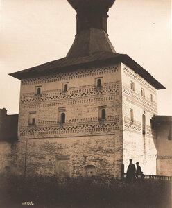 Вид на Малую Косую башню стены Кирилло-Белозерского монастыря (перестроена в к. XVIII в.). Вологодская губ.