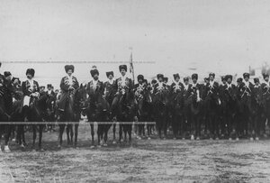 Группа конвойцев в строю на плацу  в день  празднования 100-летнего юбилея конвоя.