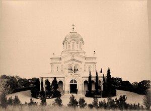 Вид храма во имя Вознесения Господня (проект А.Г.Венсана, архитектор В.А.Шретер, 1872-1876 гг., Ливадия.).