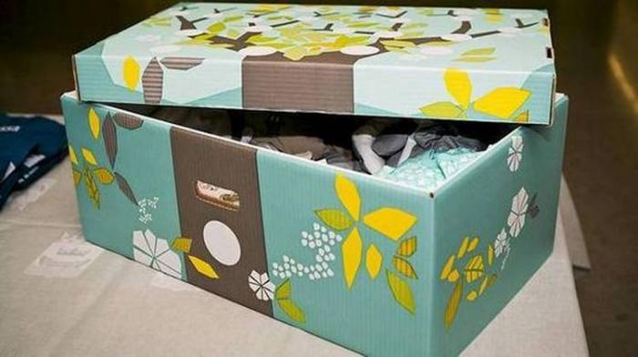 Почему в Финляндии всем беременным женщинам государство дарит коробку?