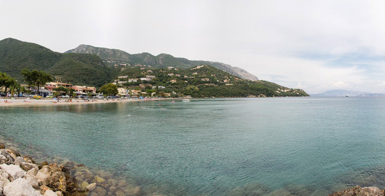 Пляж в Ипсосе (Корфу)