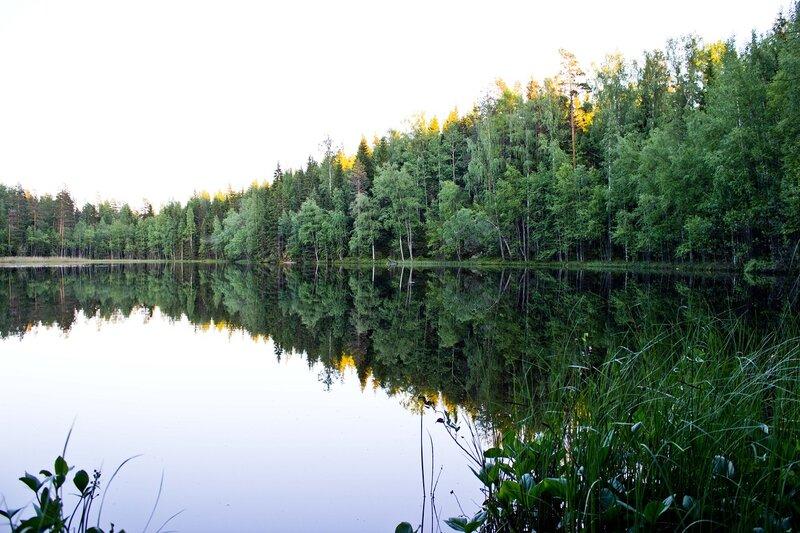 озеро Juonaanjarvi в парке Ваарунвуорет (Vaarunvuoret)