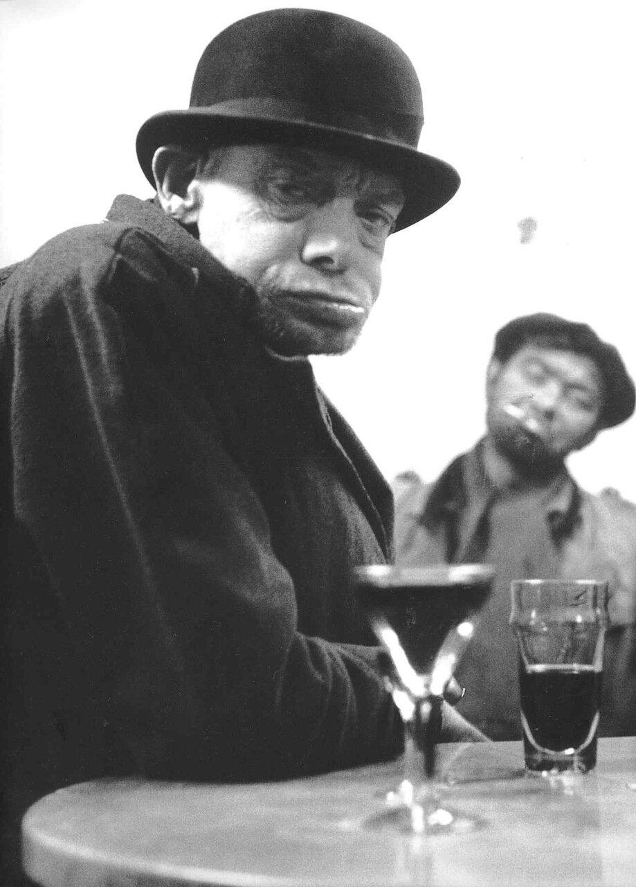 1952.Типаж в кафе «La Belle Etoile»