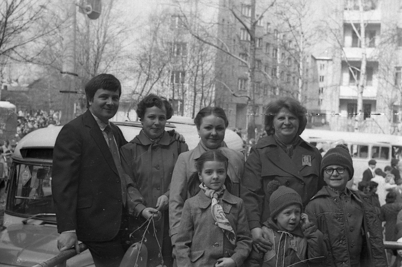 1980-е. На ул.Челюскинцев.