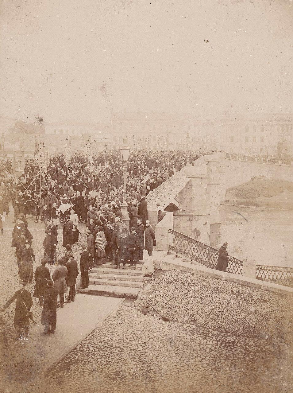 571. Религиозная церемония у стен Кремля. 1890-е
