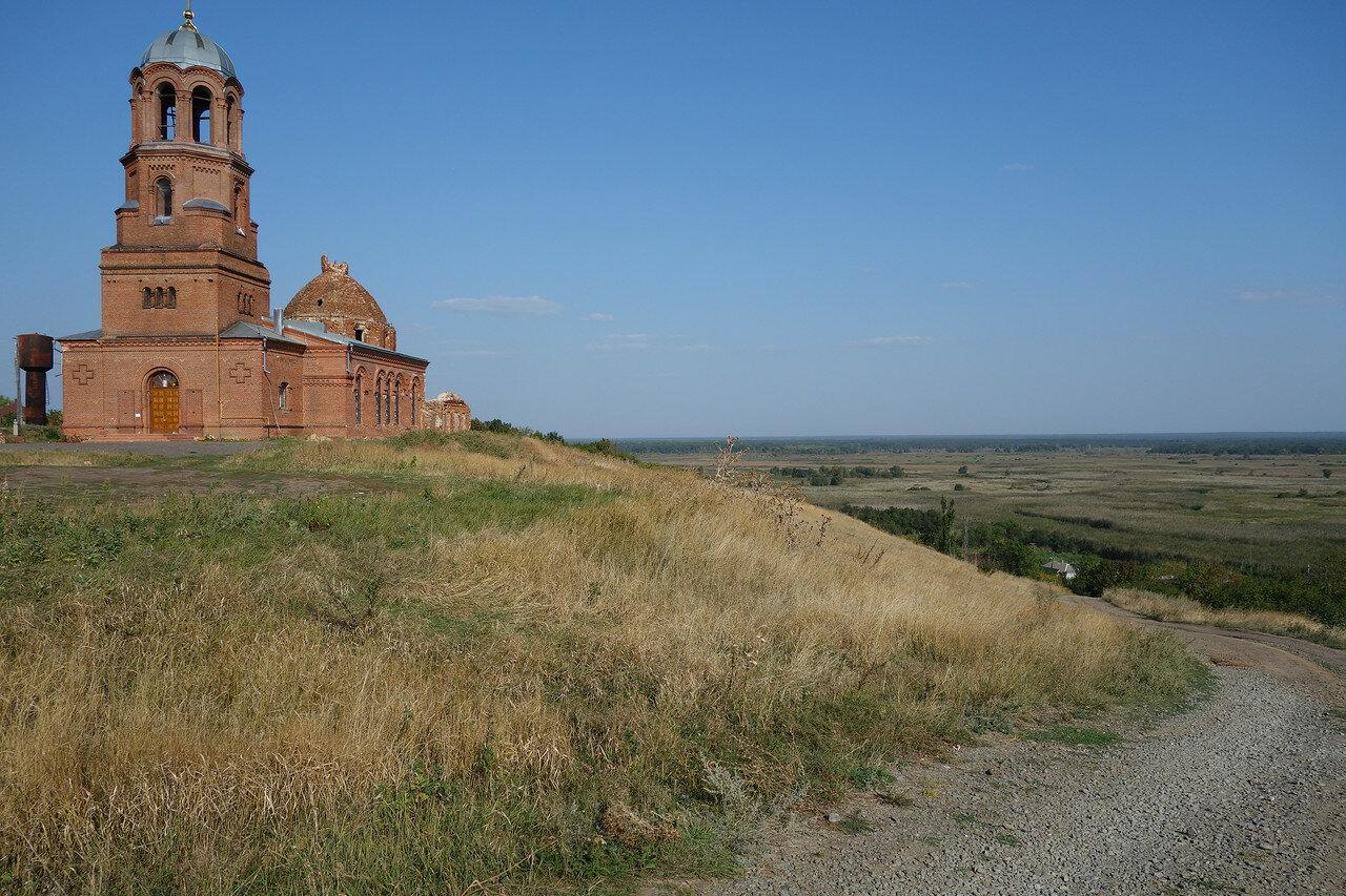 храм над поймой реки Битюг