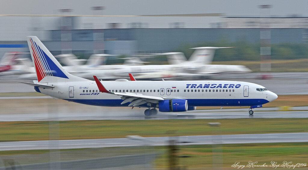 Boeing 737-86J Transaero EI-UNJ