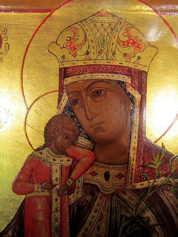"""Икона Божией Матери """"Неувядаемый Цвет"""". Фрагмент. Первая половина XIX века."""
