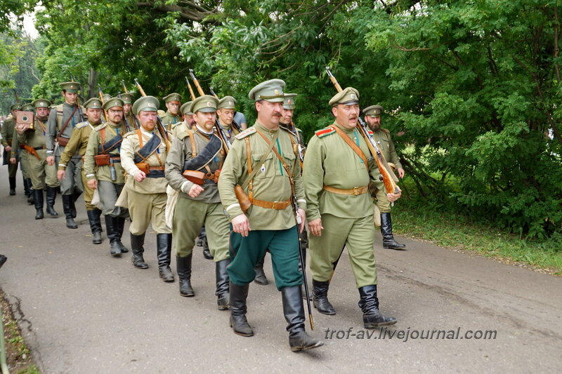 """Фестиваль """"Времена и Эпохи 2014"""", военный парад"""