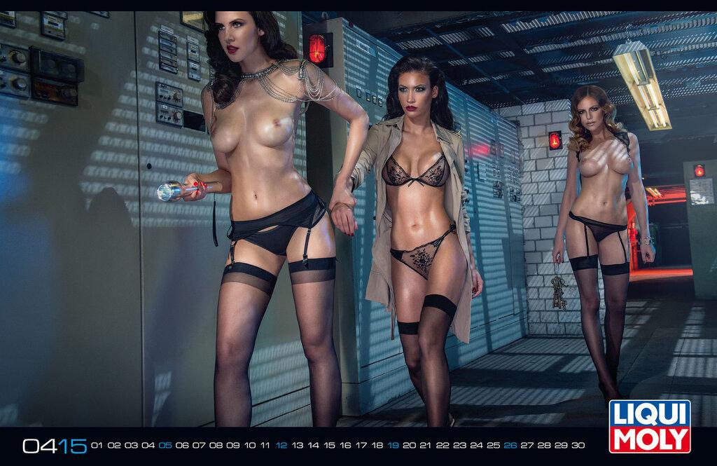 голые девушки для календарей фото