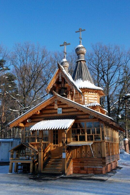 Church_of_Saints_Cyril_and_Methodius_(Khimki).jpg