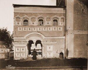 Вход на колокольню - с западной стороны - Борисоглебского монастыря. Ярославская губ., близ Ростова
