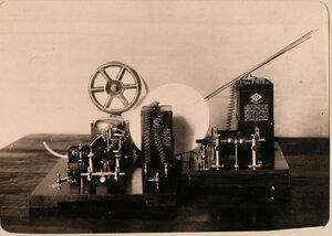 Беспроволочный телеграф, установленный в одном из учебных классов авиароты.