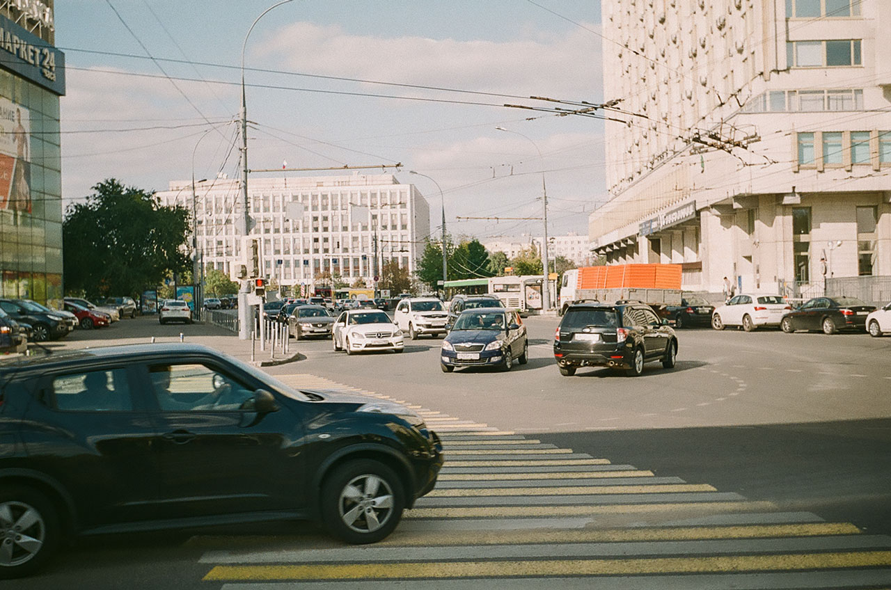 Перекресток проезда Апакова и Мытной улицы. Снато Смена 8м