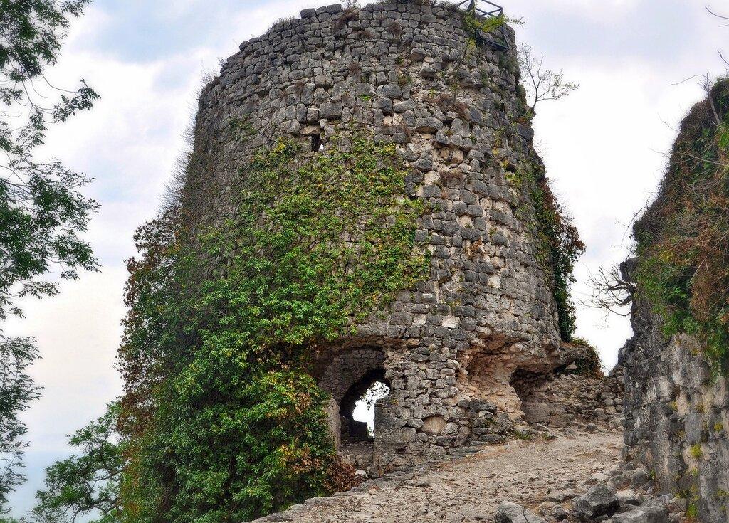 Новый Афон. Башня Анакопийской крепости