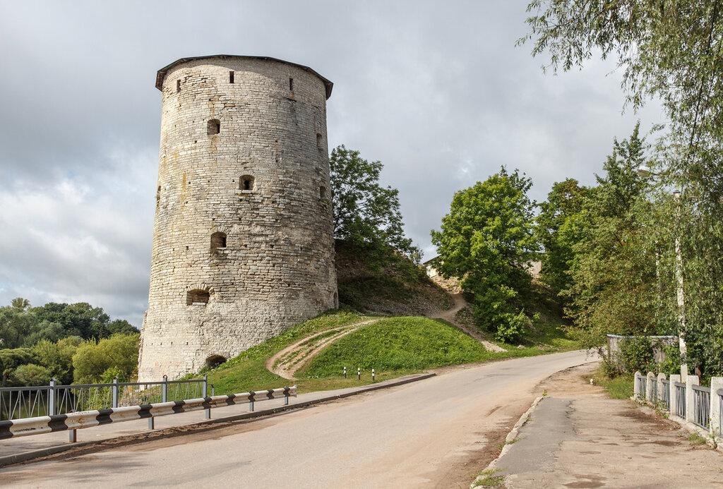 Космодемьянская (Гремячая) башня, Псков