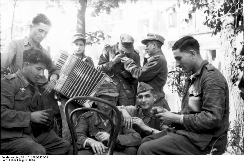 Warschauer Aufstand, Soldaten in Kampfpause