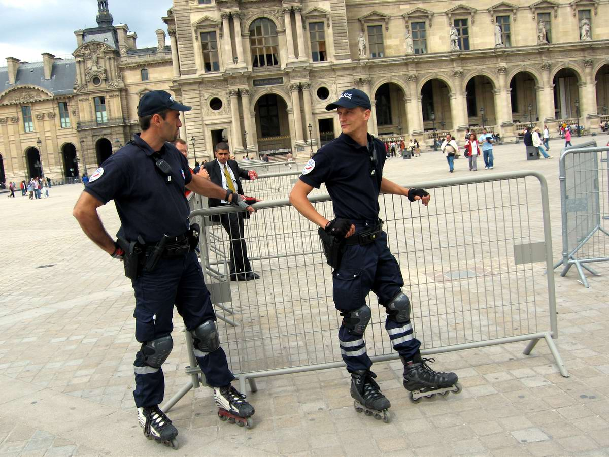 Ролики с полицией 2 фотография