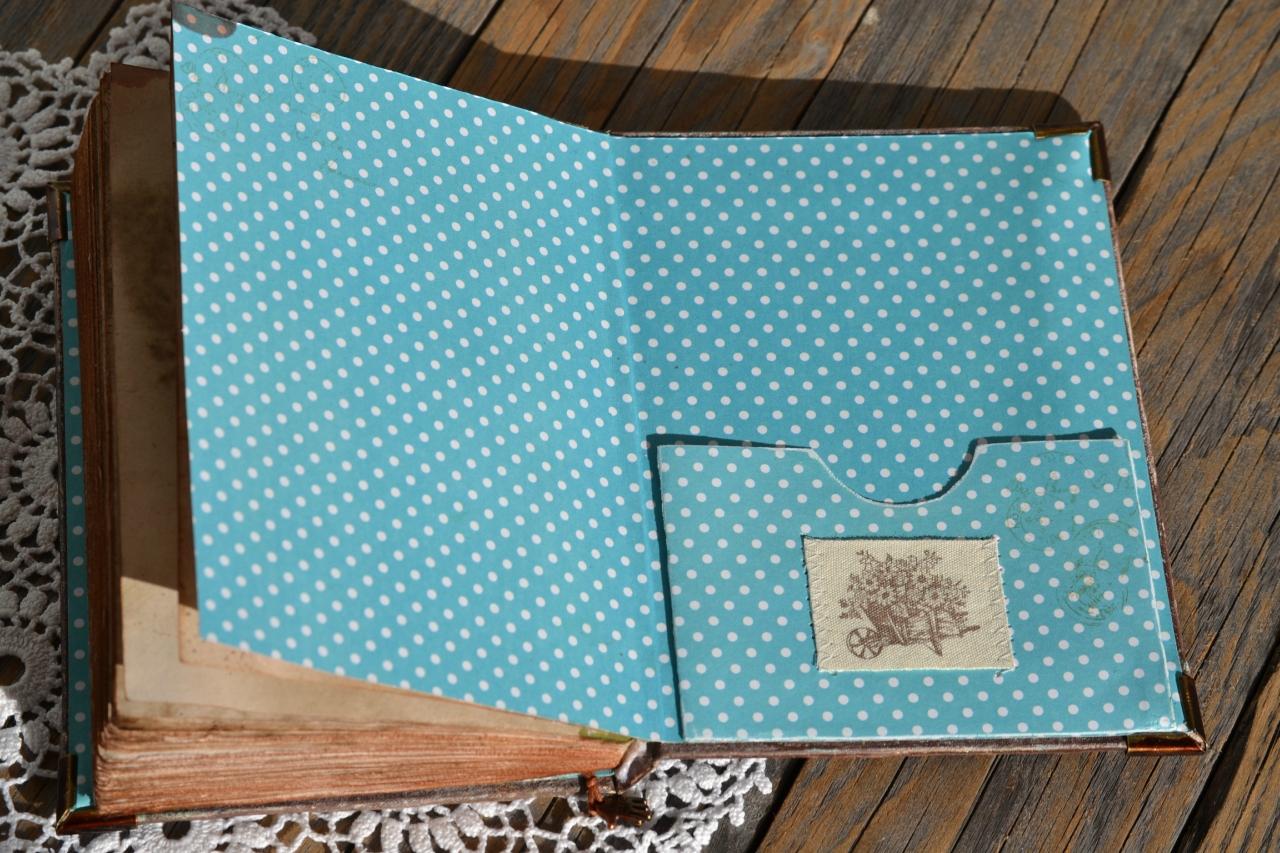 Как сделать кармашек из бумаги на тетрадь