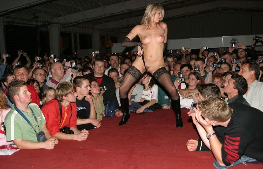 Смотреть эротические фото шоу 22 фотография