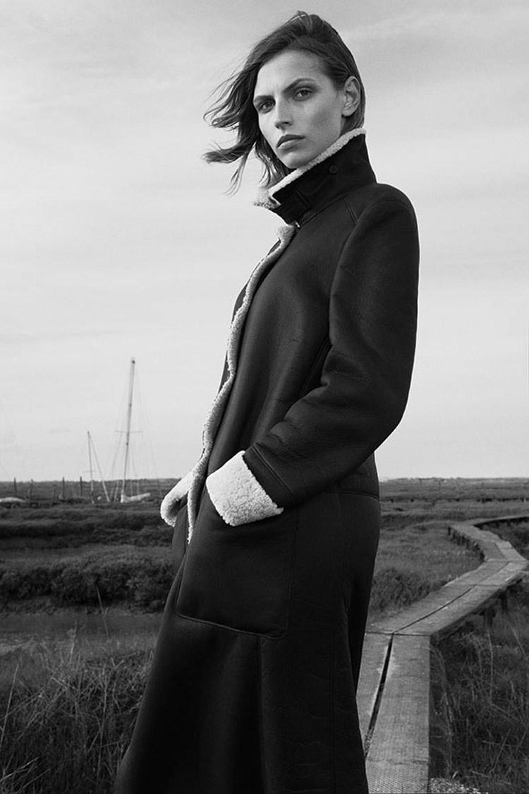 Карлина Цауне в фотосессии для Margaret Howell