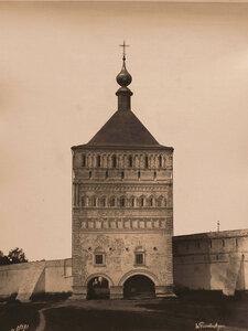 Вид на Большую Проездную башню Спасо-Евфимиева монастыря (постройка 1664 г.). Суздаль г.
