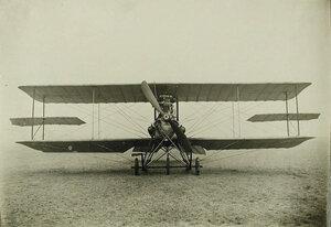 Общий вид биплана, сконструированного инженером Я.М. Гаккелем; размах крыльев биплана (с крылышками) - 11,5 м, длина - 8,9 м, расстояние между поверхностями - 1,75 м, вес – 560 кв.м, мотор «Аргус» - 80-100 лошадиных