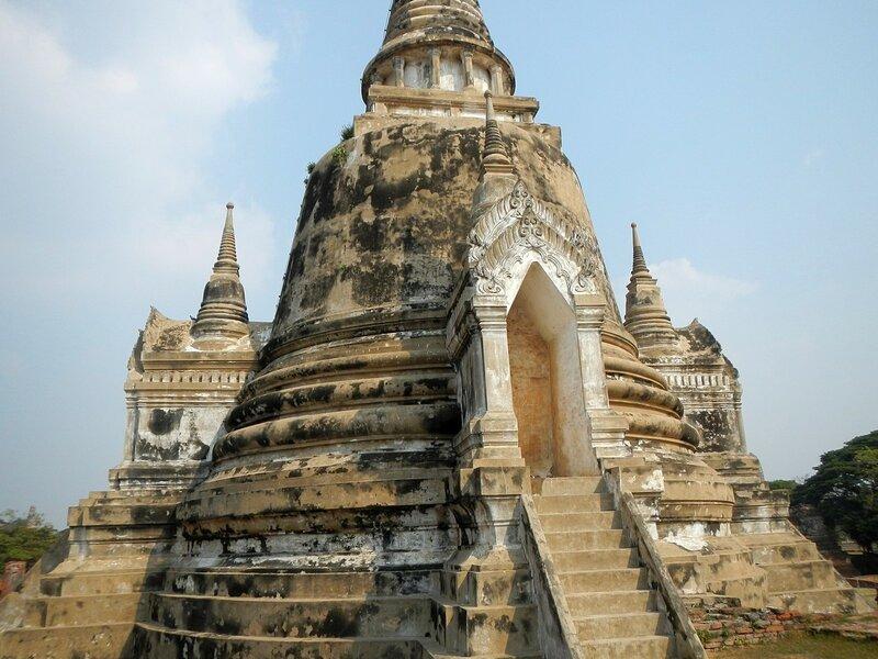 Ступа (чеди) храмового комплекса Wat Phra Si Sanphet в древней столице Сиама Аюттайе, Таиланд
