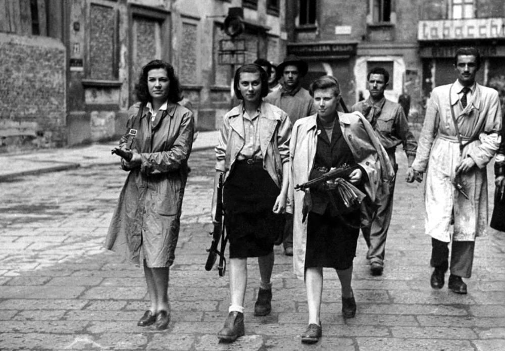 Итальянские повстанцы из Милана (апрель 1945 года)
