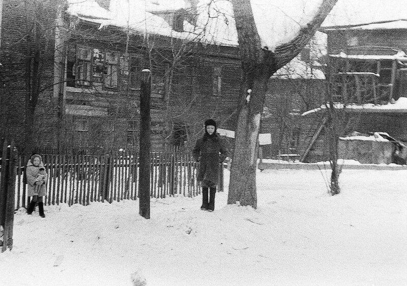 269440 Двор дома ул. Палиха, 10 нач. 1960-х Кузнецов Дмитрий.jpg