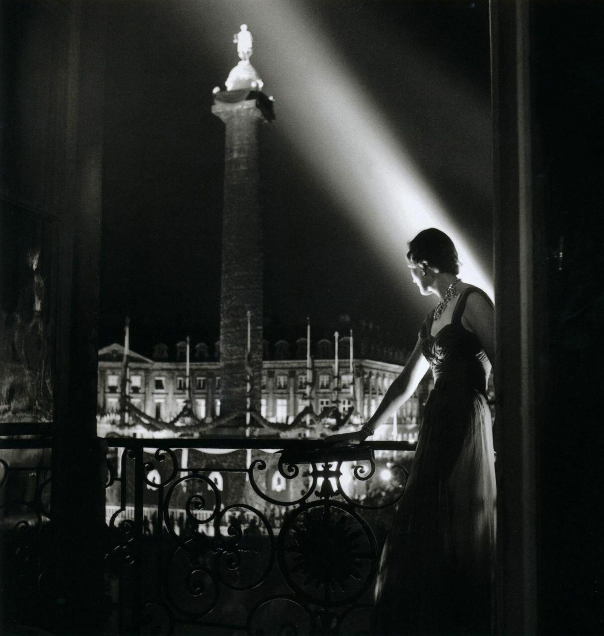 1950. Вандомская площадь с балкона ночью