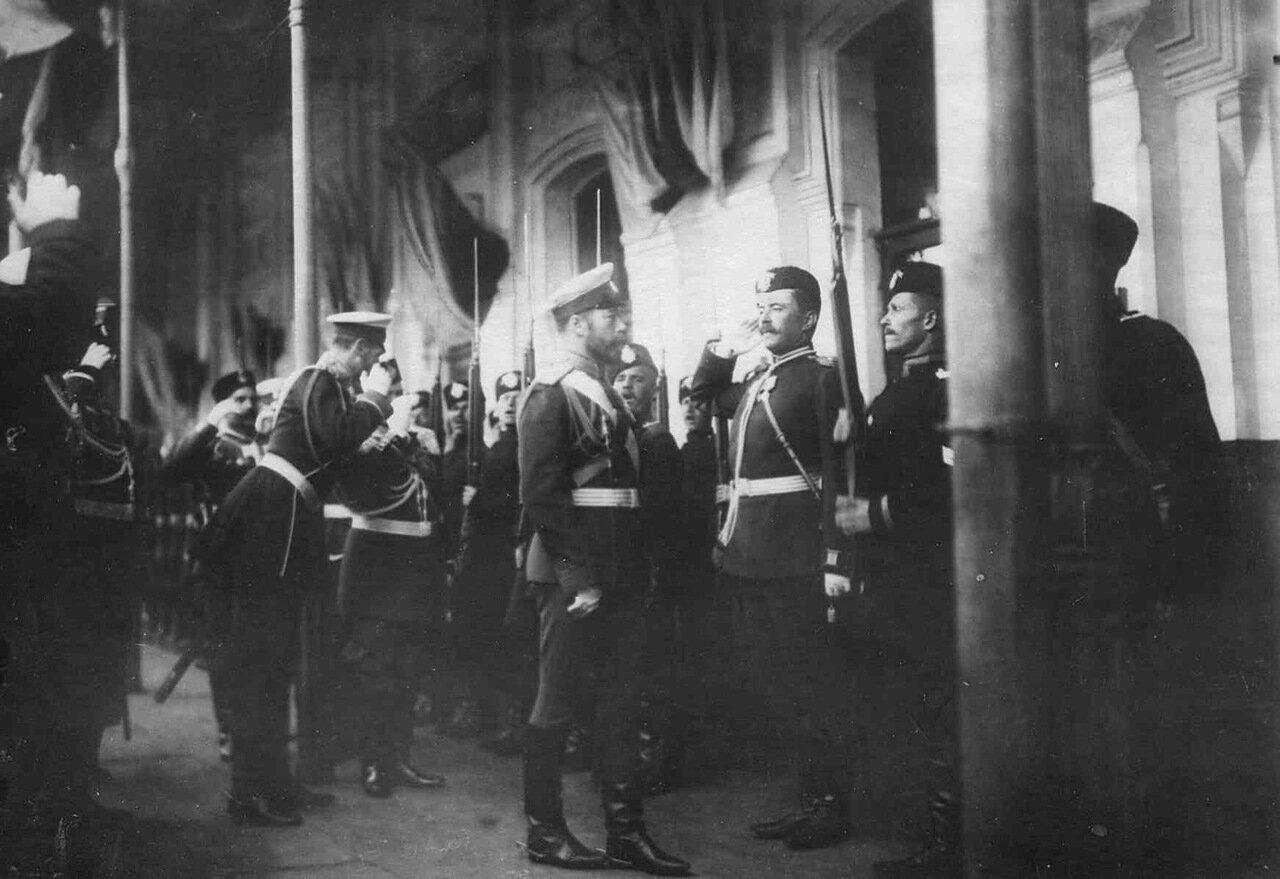 06. Прибытие императора Николая II в Орел к месту расположения войск, отправляемых на Дальний Восток. Орел