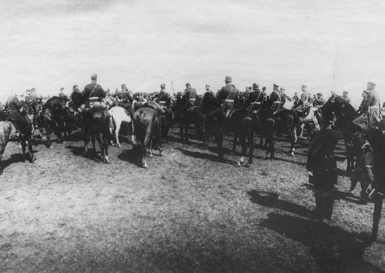 27.Прибытие императора Николая II к месту расположения войск, отправляемых на Дальний Восток. Харьков