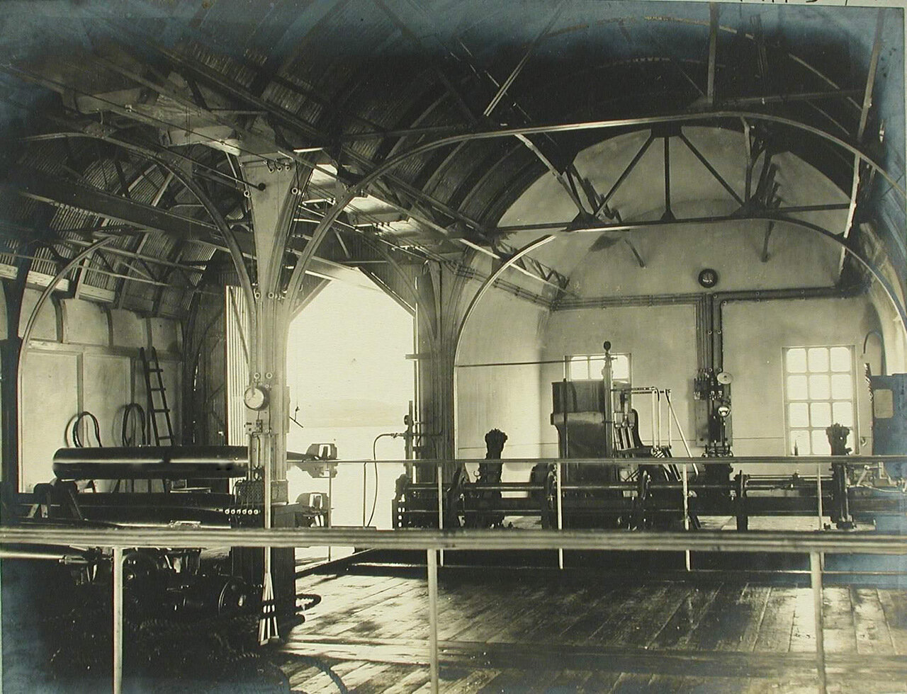 25. Внутренний вид одного из помещений минной пристрелочной станции