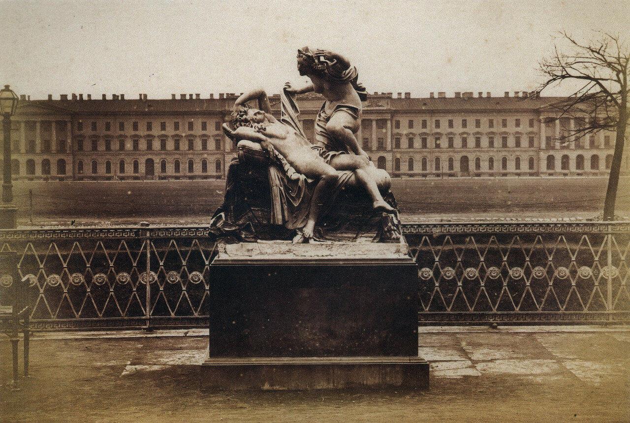 Скульптурная группа «Амур и Психея» в Летнем саду.1880-е