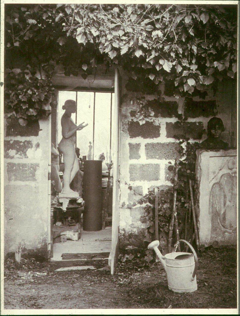 1936. У мастерской Аристида Майоля