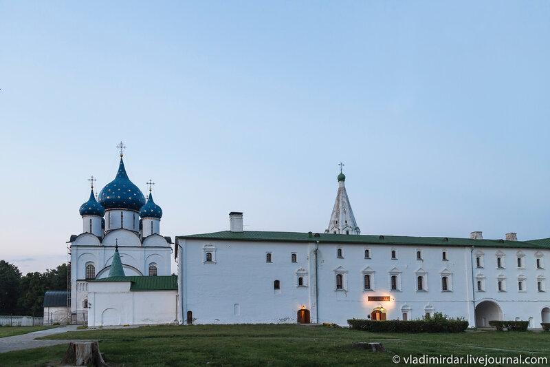Архирейские палаты в суздальском кремле
