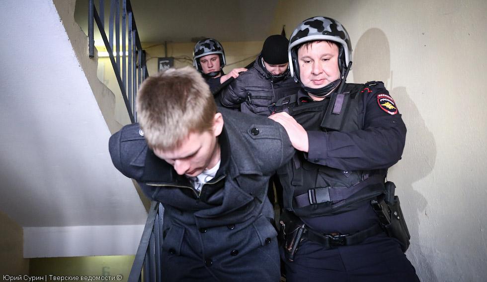 Сотрудники вневедомственной охраны, полиция, преступники, задержание, УМВД, МВД, Чикен Хауз, полиция Твери, Тверь