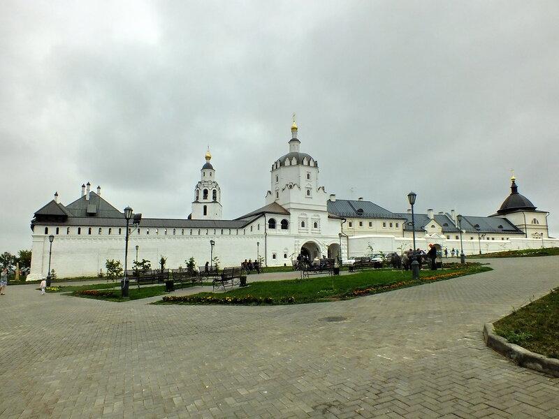 Успенский собор (1556—1561) Колокольня Никольской церкви (1556)
