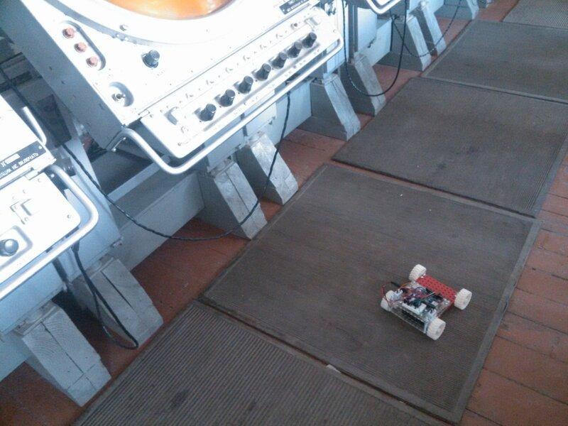 Школа роботы ДОСААФ-занятие5-собираем модель-25.jpg