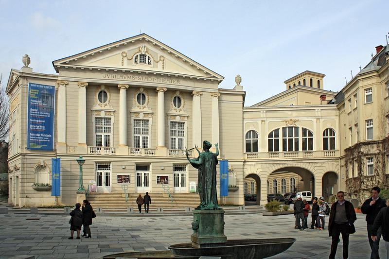 Stadttheater_Baden_resize.jpg