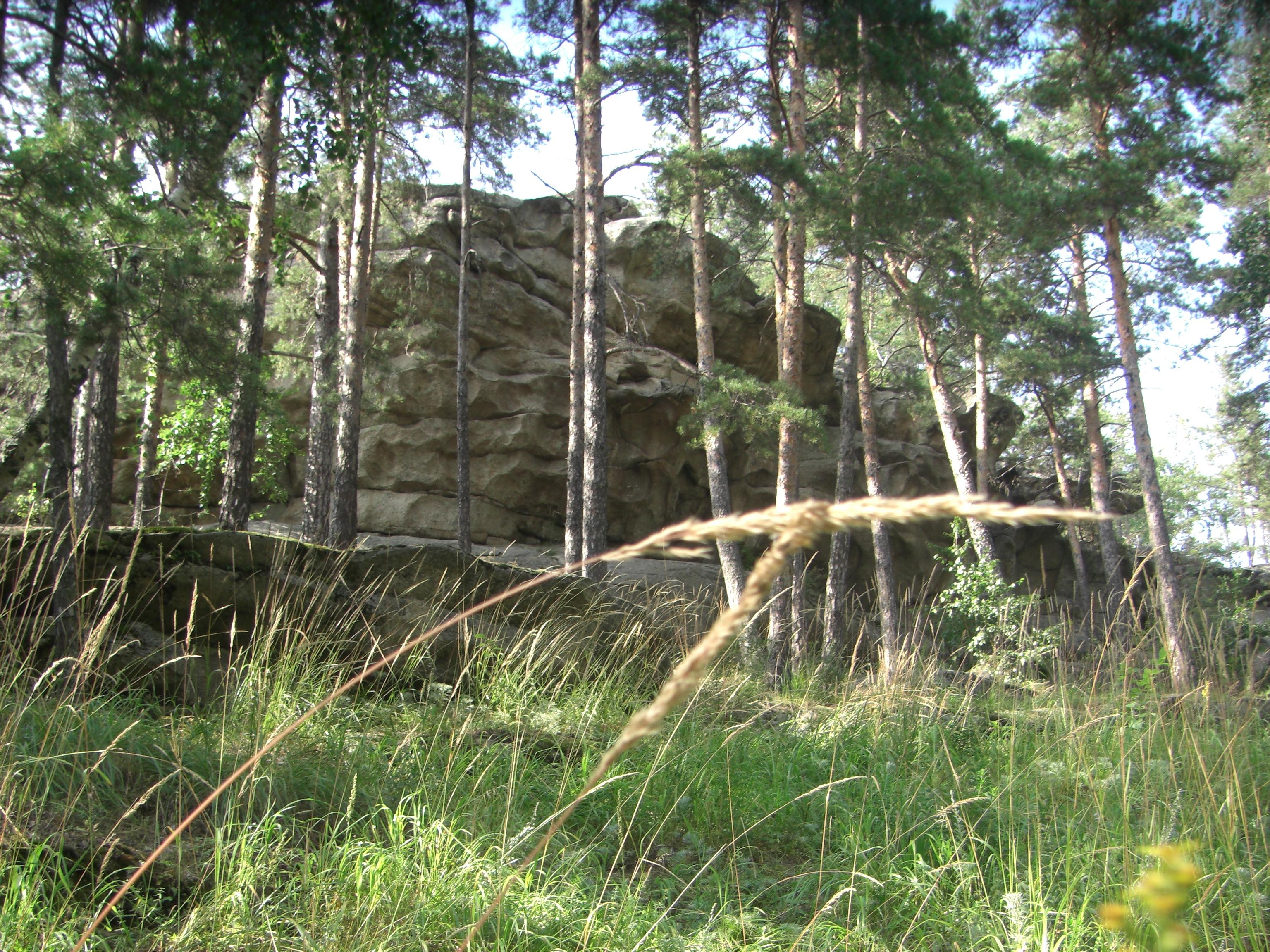 Скалы с вмятинами от гигантских пальцев  (29.08.2014)