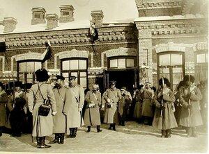 Император Николай II принимает рапорт по прибытии на смотр