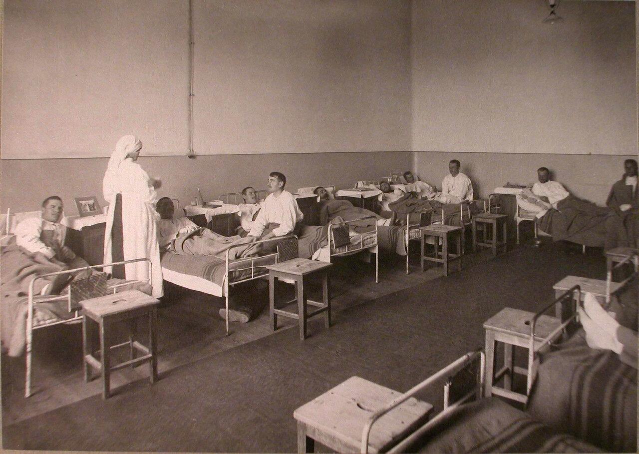 23. Раненые в палате лазарета при Коронационном убежище