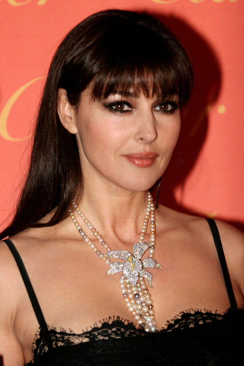 ROME - MARCH 21:  Actress Monica Bellucci arrives to attend the Cartier Spring Party held at the Galleria Nazionale on March 21, 2007 in Rome, Italy. The party marks the launch of the jewellery collection Delices de Cartier. (Festa di Primavera Cartier, R