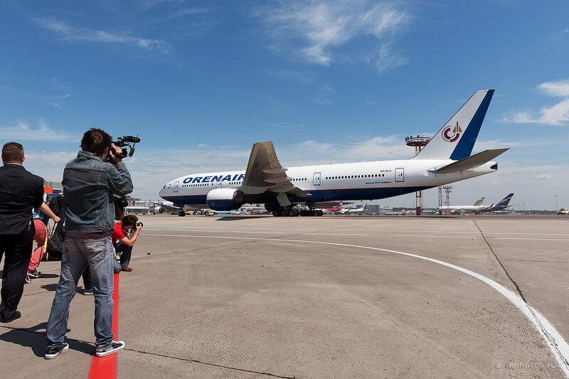 Boeing 777-2Q8/ER (VP-BLA) Orenair D709897