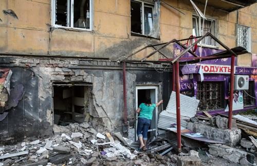 разрушения в Донецке после обстрелов