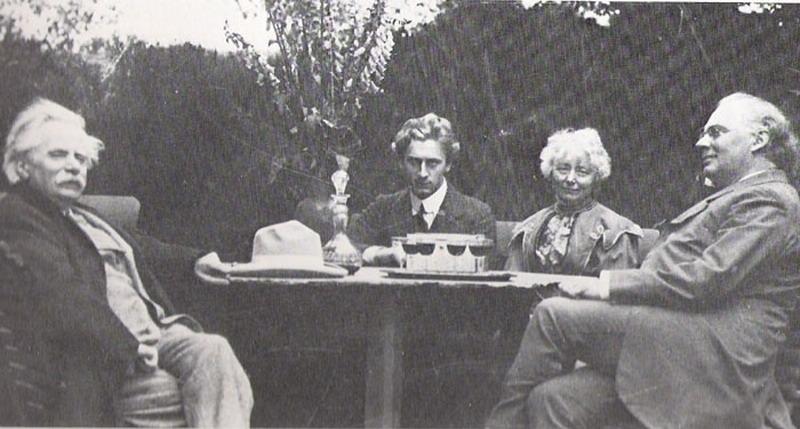Grieg-Grainger-1907_resize.jpg