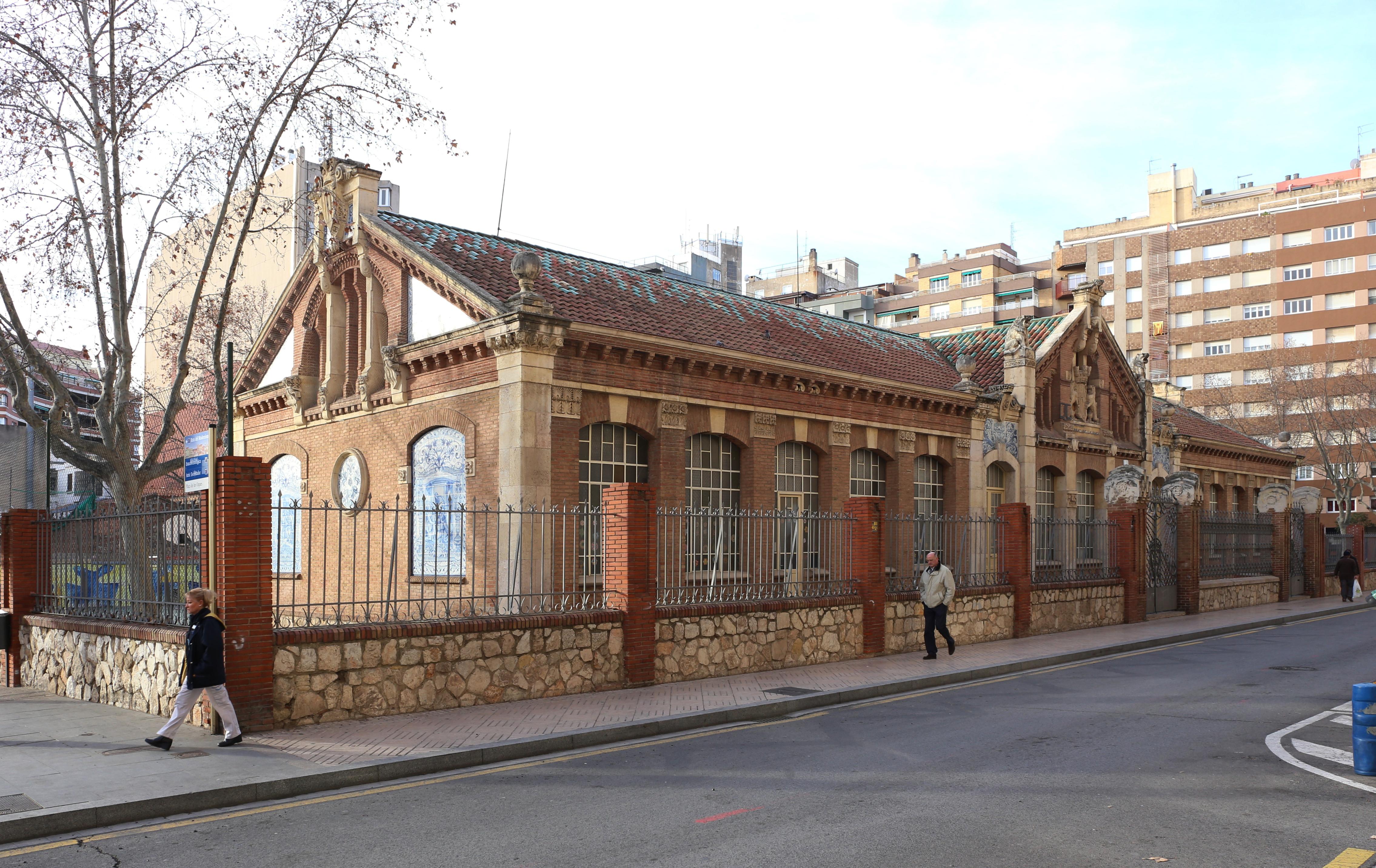 Реус. Маршрут модерна. Школа Прат-де-ла-Риба. Escoles Prat de la Riba