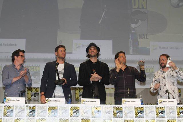 «Привет, мальчики!»   фотографии на Comic Con 2014